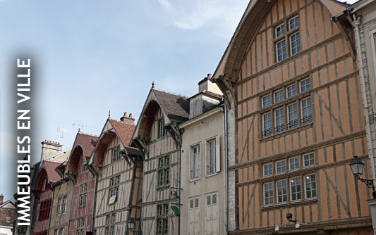 Les charpentiers de troyes charpentier traditionnelle for Maison bois troyes